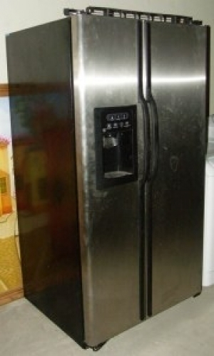 ge stainless steel refrigerator fridge w water ice dispenser in los angeles ca 90063. Black Bedroom Furniture Sets. Home Design Ideas