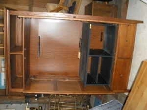 Large oak mission style entertainment armoire thomasville for Furniture auburn wa