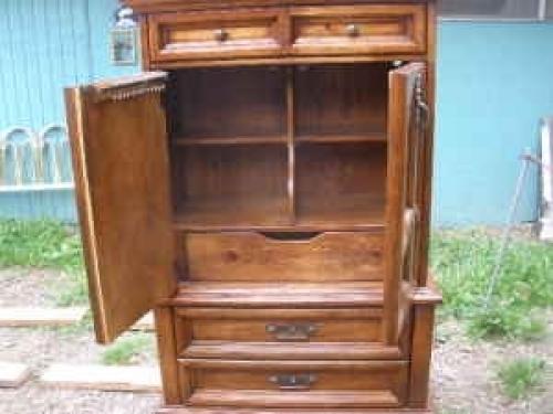 Magnificent mens lrg wardrobe chest armoire dresser for Furniture auburn wa